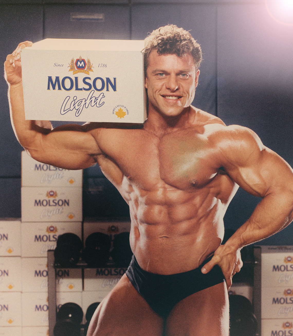 DattuWSW-Molson Light muscle guy_