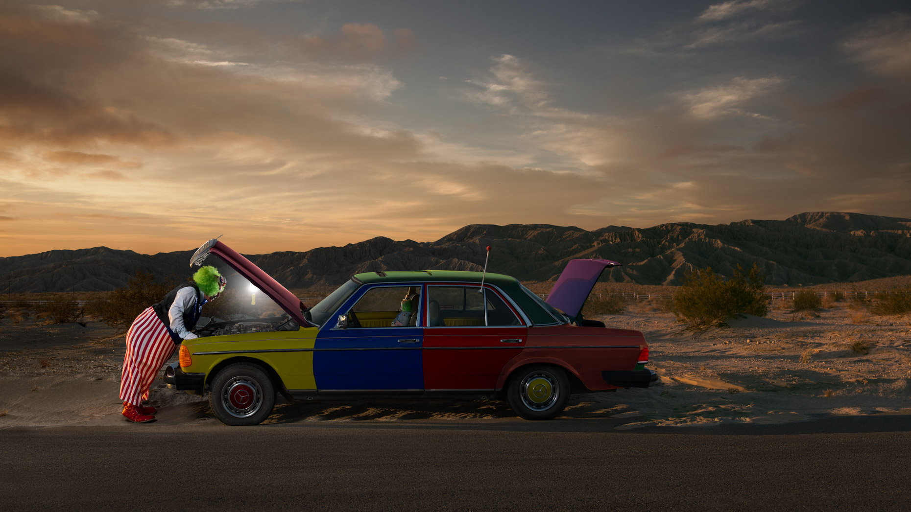 clown-car-mojave-desert